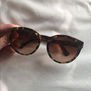 Coach Kylie Sunglasses